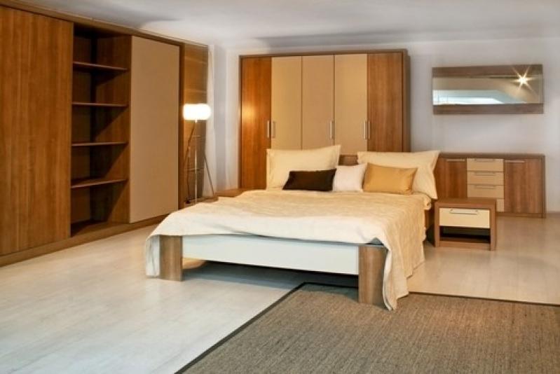 Dormitório Planejado de Casal Pequeno em Cachoeirinha - Dormitório Planejado com Closet