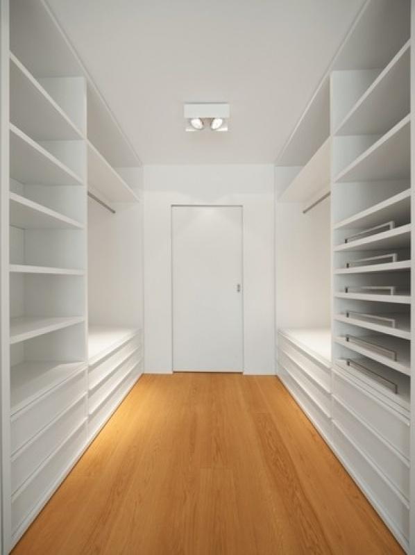 Orçamento de Closet sob Medida na Maia - Closet Pequeno