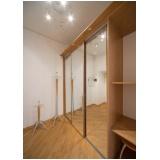 quarto planejado de madeira na Casa Verde